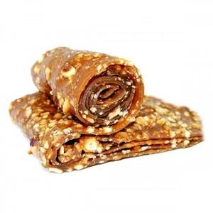 - Fındıklı Pestil(Dried Mulberry Molasses inside Hazelnut)